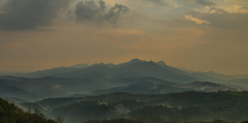 mountans-in-lace-in-coorg